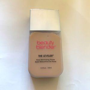 Beauty blender the leveler primer Tried once